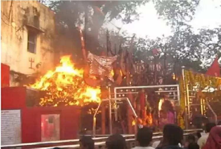 Ajab-Gajab: राजस्थान के इस मंदिर में खुश होने पर माता खुद करती है अग्नि स्नान