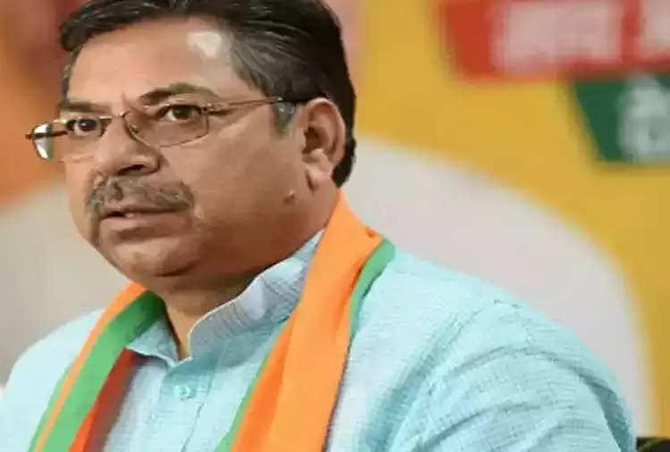 Satish Poonia ने सीएम गहलोत पर कसा तंज, कहा- आप और राहुल गांधी ही देश में सर्वाधिक बुद्धिमान हैं